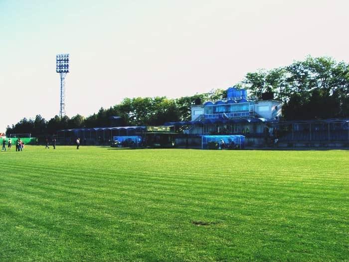 Новото осветление на стадион Калиакра в Каварна с подизпълнител Андреев Строй