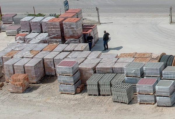 бордюри, керемиди, тротоарни плочи в строителна борса Андреев Строй, Каварна